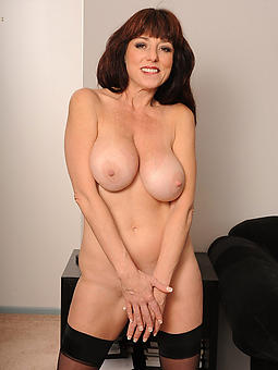 hot mature babes sexy porn pics