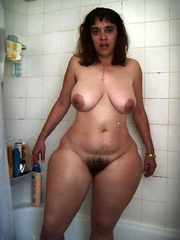 curvy nude ladies nude pictures