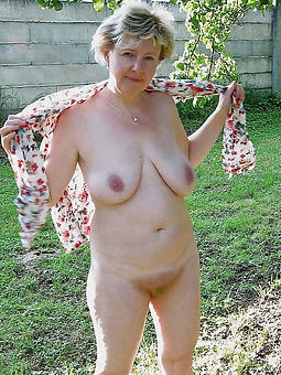 free stripped grannies amature mating pics