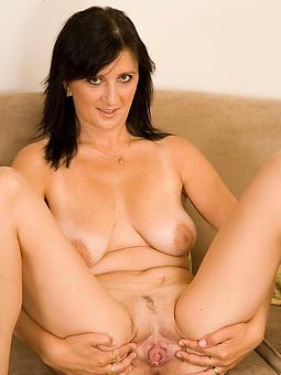 brunette ladies porn pictures