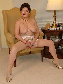 lady masturbating amature porn