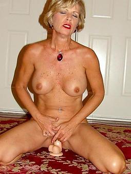 porn pictures of mom masturbates