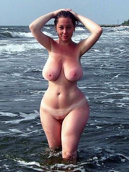 amature curvy bared ladies pics