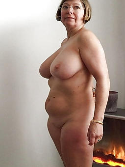 busty lady seduction