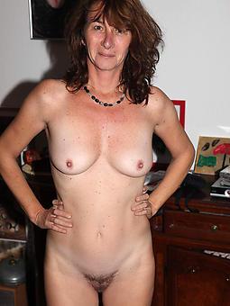 amature full-grown nude moms pics