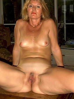 small tit materfamilias amature sex pics