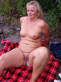 hot mart ladies stripping