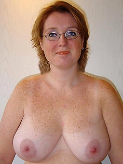 busty full-grown mom nudes tumblr