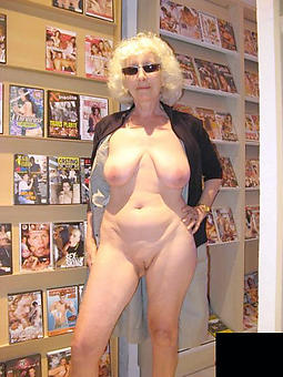 hot elderly grandmothers pics