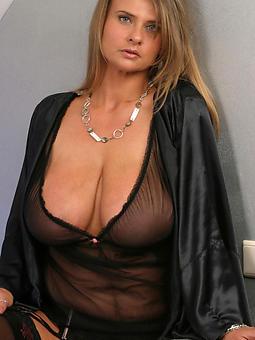 beautiful mom hot porn pics