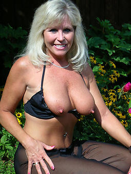 pictures of gorgeous mature lady