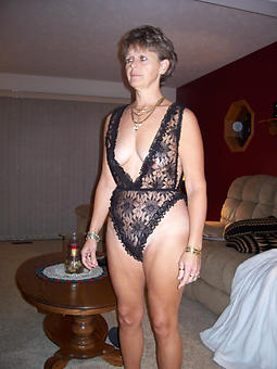 porn pictures of off colour horny moms