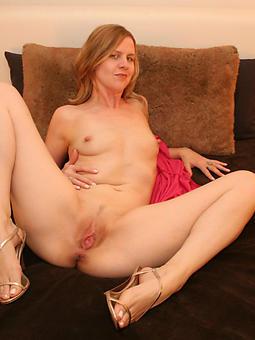 sexy mom fingertips amature sex pics