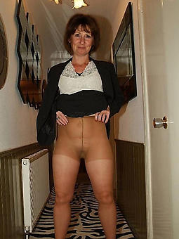 moms with pantyhose amature porn