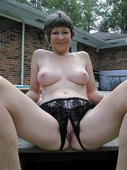 sexy naked brunette gentlemen tease