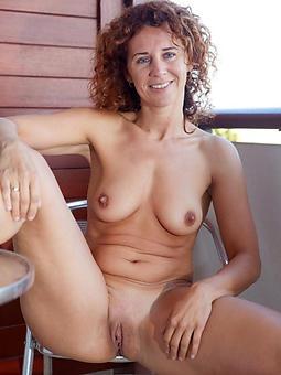 stark naked redhead moms free porn pics