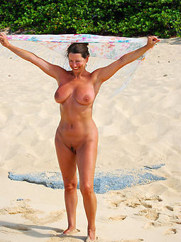 naked aristocracy on the beach truth or endanger pics
