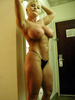hotties tremendous boobs mom hot pics