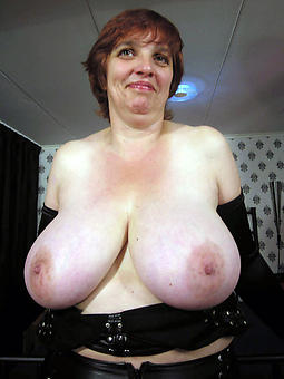 mature mom gut porn pic