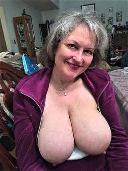 mature mom tits strip
