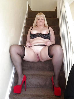 amature naked upper classes in high heels