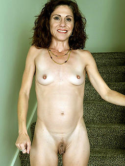 amature small tit mom naked pics