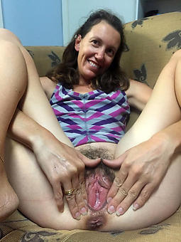 horny flimsy moms unconforming porn pics