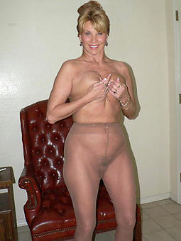 amature lady in pantyhose photos