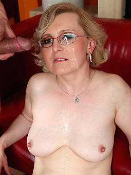 hot mom with glasses amateur unconforming pics