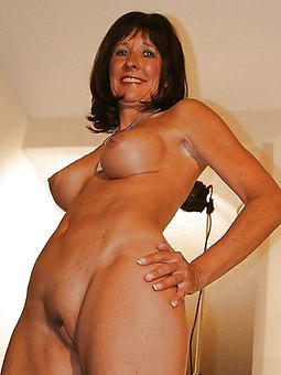 naked old lady solo pics
