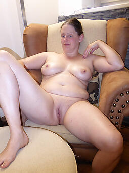 beautiful naked housewives dabbler free pics