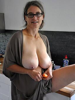 Old Lady Tits Pics