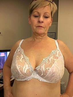 Single frauen naked Milfs Area