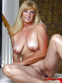 hotties beautiful moms denude sniper