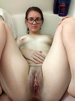 lady in glasses amateur easy pics