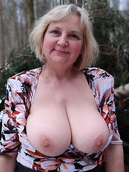 Old Lady Boobs Pics