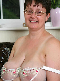 enticing mature huge boobs