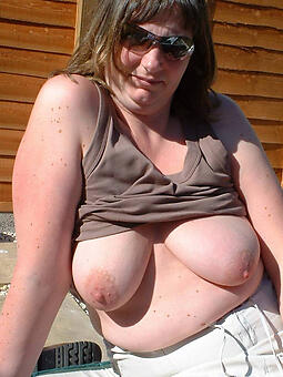 porn pictures of big boobs mom