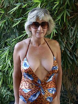 hotties hot milf in bikini