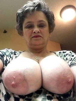 Mature lady naked photos