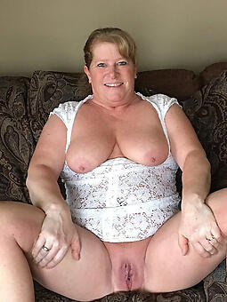 amature pretty mom pictures naked
