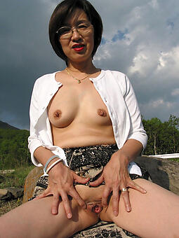 amature down in the mouth asian mommy