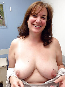 hotties mature women tits