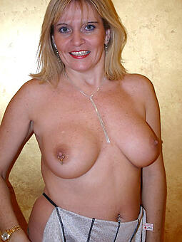 nice tits lady phot mere