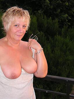 inviting nice tits lady pics