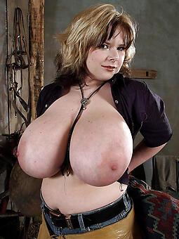 perfect big boobs mom