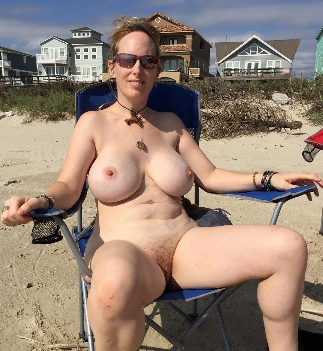 Amatur naked women